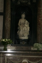 Madonna con bambino di Michelangelo